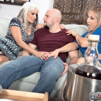 60 plus MOMS Sally D'Angelo and Luna Azul give a dual hj and BJ