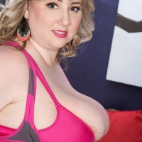 Amateur fair-haired BIG SEXY WOMAN solo chick Laddie Lynn letting enormous breasts free from bra