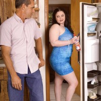 BIG SEXY LADY XXX actress Monique L'Amour funbag boinking and slurping dick in kitchen before sex