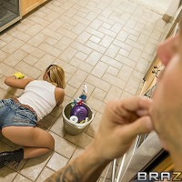 Ash-blonde MILF XXX movie starlet Katja Kassin offering massive ass cheeks for xxx derriere fucking