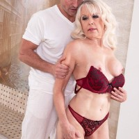 Seductive grandmother Doll S blows her massagist after rubdown and losing her brassiere