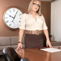 Over 60 educator Luna Azul tempts a masculine schoolgirl in her office place