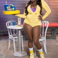 Ebony big sexy lady Stacy Enjoy flaunts her gigantic butt in ass cut-offs and roller skates