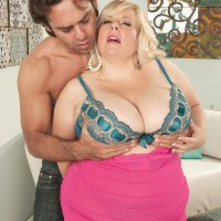 Ash-blonde BIG SEXY LADY Cassie Blanca has her muff sucked out after being unclothed naked