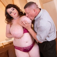 Black-haired BIG BEAUTIFUL WOMAN Anna Beck unsheathing monster-sized tits before providing ORAL PLEASURE and boinking on futon