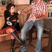 Dark-haired MILF Arianna Sinn has a man blow her cootchie and erect nips after boot gobbling