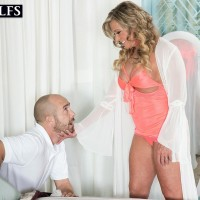 Big-boobed senior sandy-haired doll Missy Blewitt seducing junior stud for sex in lingerie