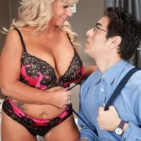 Plump over 50 blond MILF Zena Rey letting out massive fun bags from bra while seducing guy