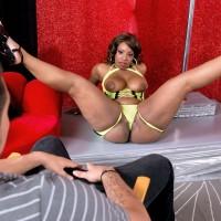 Chunky ebony stripper Layla Monroe vaunting massive ass in ebony pumps