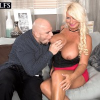 Enticing experienced dame Annellise Croft has her humungous fun bags ate on before a boob poke