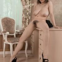 Lanky amateur nubile Veronika Mars showcasing immense saggy knockers and unshaven fuckbox in high heels