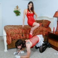 Long-limbed wife Dava Foxx has her crossdressing sissy idolization her feet in a red sundress
