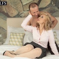 Aged golden-haired doll Veronique giving blow-job after receiving calming massage