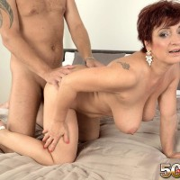 Older doll Jessica Tempting lets her huge titties rope up while getting nailed by her dude toy