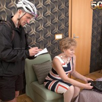 Over Fifty cougar Georgina providing pedal bike courier oral pleasure in milky hosiery and high-heels