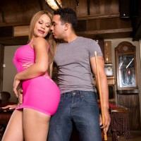 Gorgeous Latina MILF Samantha Bell seducing man at bar with her giant rump