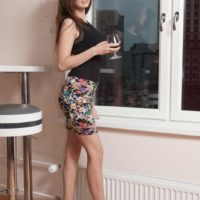 Amateur solo chick Victoria sheds her clothes and heels before kneading her beaver