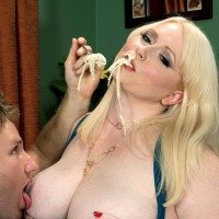 Fair-haired BIG HOT LADY XXX vid starlet Dawn Davenport draining penis while gobbling food and masturbating