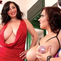 Alluring MOMMIES Michelle Bond, Lana Ivans and Arianna Sinn unsheathe their hefty tits