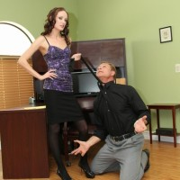 Lean gf Haily Youthfull coerces her sissy to his knees before attaching a purity device