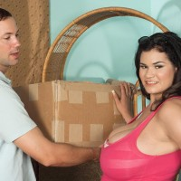 Brown-haired Latina chunky Haydee Rodriguez unleashing huge boobs from sundress