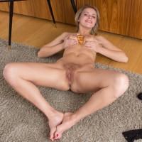 Blond amateur Ayda doffs ebony lingerie before flaunting her wooly honeypot