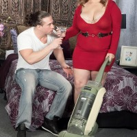 Light-haired BIG SEXY LADY Cami Cooper providing massage before unveiling huge boobies for nipple munching