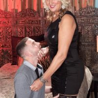 Ash-blonde cougar Dallas Matthews has her cootchie fellated after seducing a junior stud
