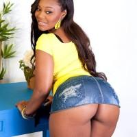Black MILF Nina Rotti unsheathes her humungous ass while seducing her milky paramour