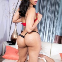 Enticing black girl Mary Jean bares her hefty boobies and ass from dress before sex