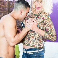 Wondrous experienced woman Kendall Rex letting enormous boobs loose while seducing younger stud