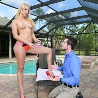Slim sandy-haired girlfriend Vanessa Box makes her spouse wear a collar while worshiping her