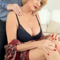 Elder sandy-haired broad Amy goes sans bra after being fed berries and receiving a neck knead