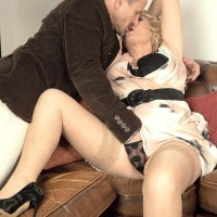 Older golden-haired broad gets around to giving a oral pleasure after foreplay in stockings
