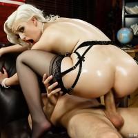Platinum blonde MILF XXX adult starlet Jenna Ivory toying backdoor before hard anal fuck