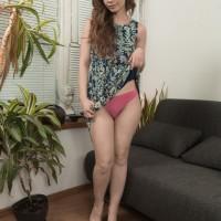 Slender amateur Miranda finger spreads her utter bush during a totally nude closeup