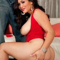 Asian MILF Jessica Bangkok has her humungous butt exposed by a black man