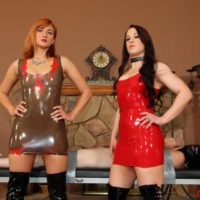 Cruel gfs Cheyenne and Amadahy give a mean handjon to a man strapped to a table