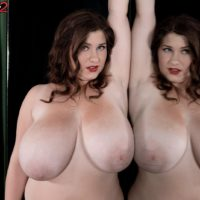 Bootylicious solo girl Jennica Lynn baring monster-sized all natural boobies from boulder-holder