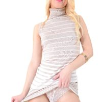 Cool ash-blonde babe Kira Thorn toys her rosy slit after disrobing to high-heeled shoes