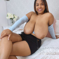 Plump Latina amateur Isa Gomez frees her immense breasts while getting buck naked